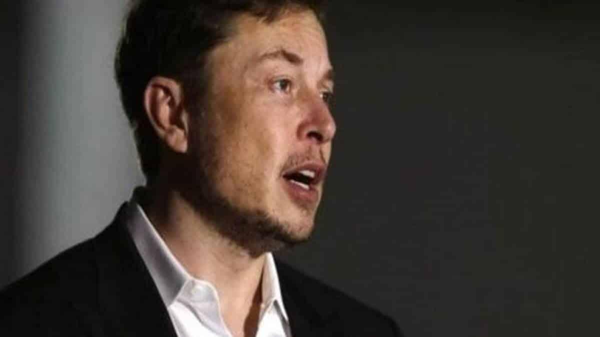 SpaceX tem coisa 'muito melhor' que a Área 51, diz Elon Musk