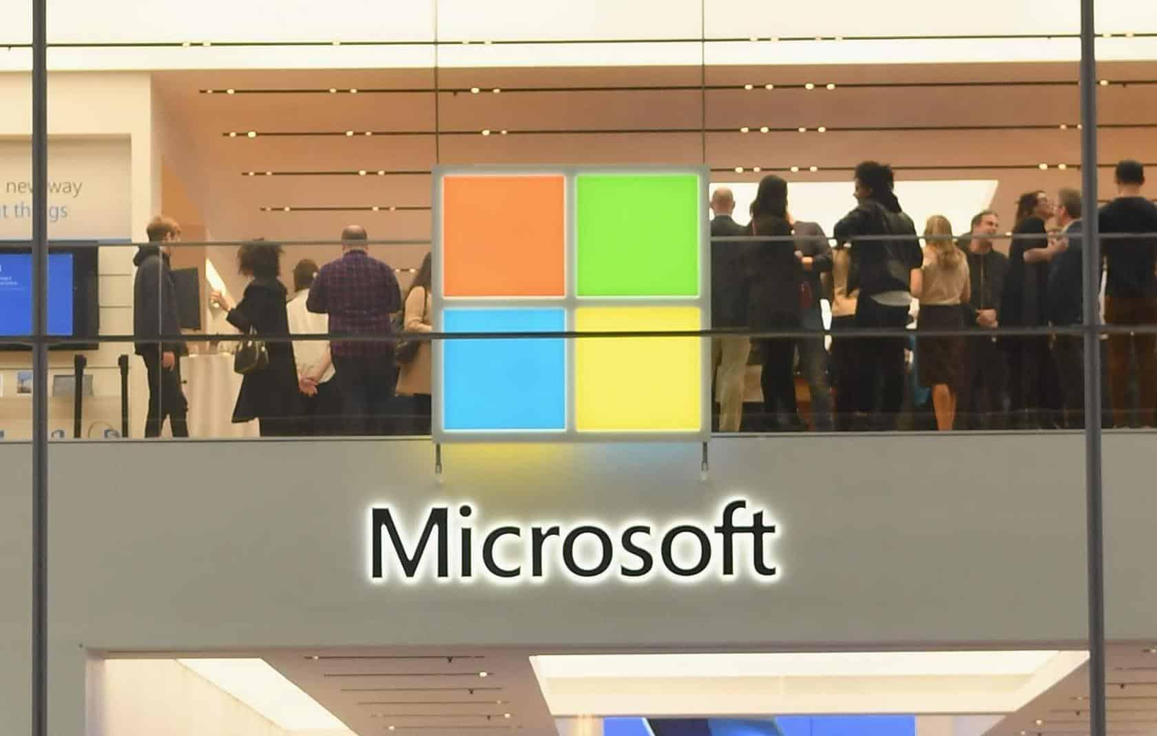 Ex-engenheiro da Microsoft é condenado por roubar US$ 10 milhões