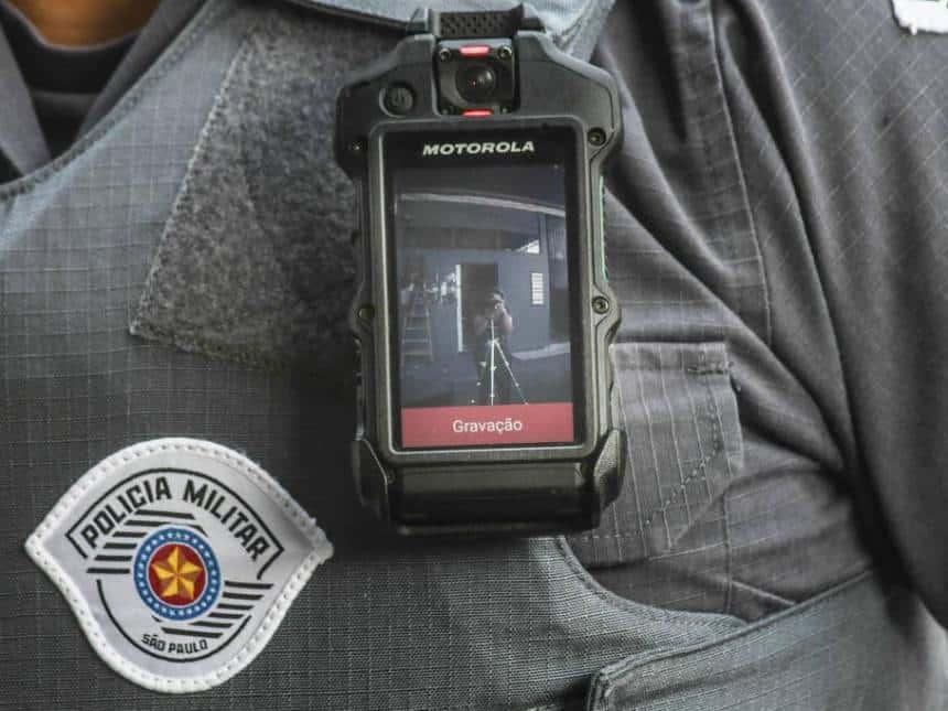 20190402042118_860_645_-_policia_militar_de_sao_paulo_quer_implantar_cameras_no_uniforme_de_todos_os_policiais_do_estado___karime_xavier_folhapress Tecnologia e polícia: confira o segundo capítulo da série especial