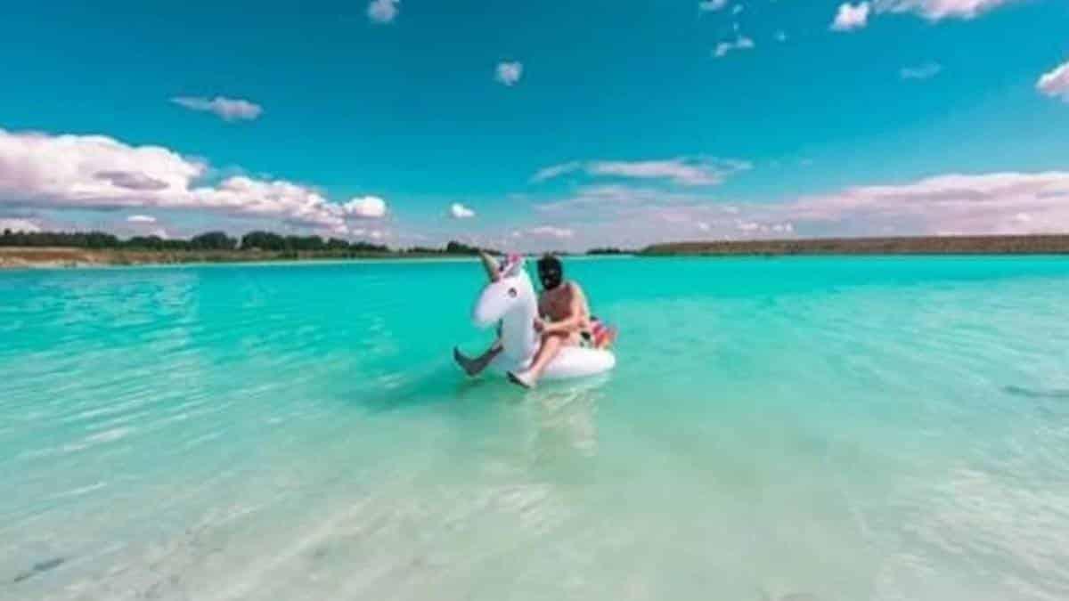 Influencers confundem lixão tóxico com lago paradisíaco na Rússia