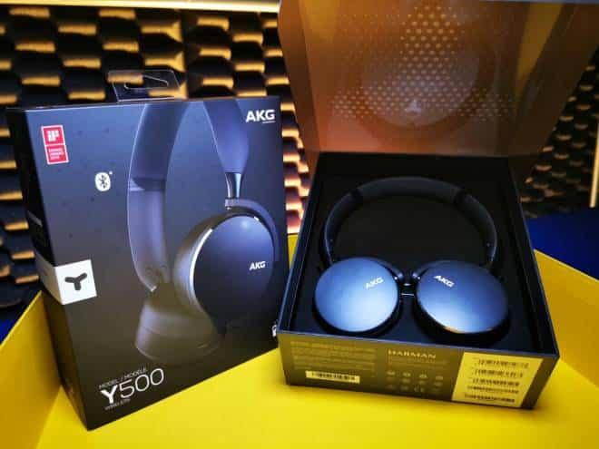 Review AKG Y500: um fone com som equilibrado, que sofre no Bluetooth