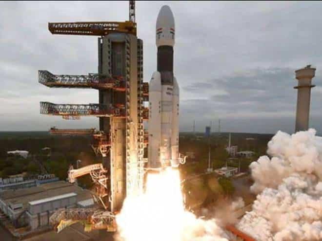 Nave espacial indiana entra na órbita da Lua