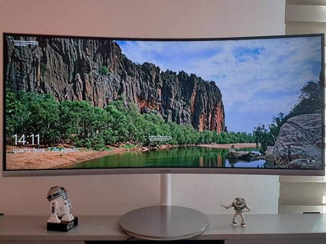 Review Samsung C34F371: alta qualidade de imagem e preço salgado