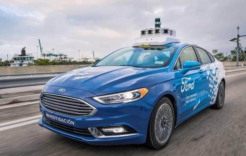 Ford planeja inaugurar serviço de carros autônomos em 2021