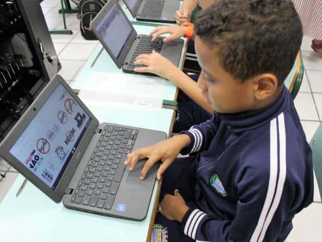Tecnologia revoluciona escola pública em Barueri, na grande São Paulo