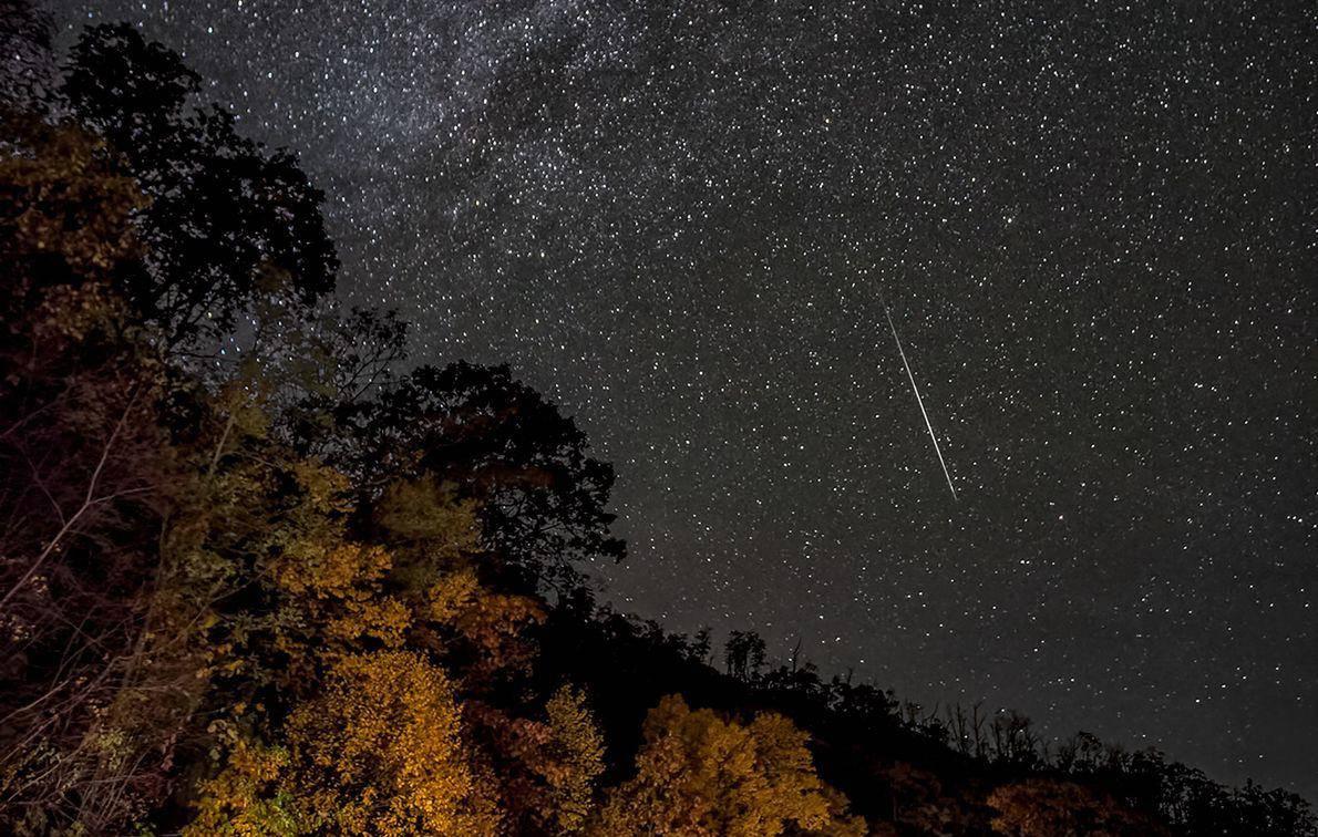 Chuva de meteoros coloridos será visível neste fim de semana