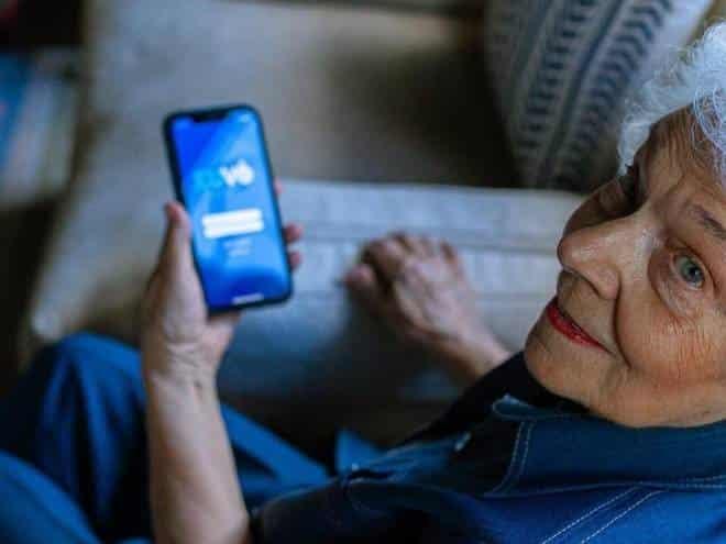 Aplicativo de transporte exclusivo para idosos é inaugurado em SP