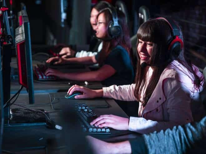 Mulheres e e-sports: entenda os desafios enfrentados pelas jogadoras