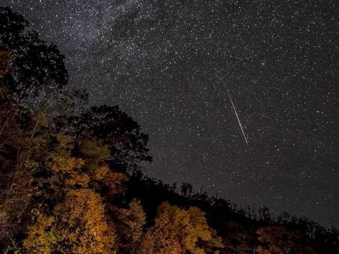 Cometa Halley provoca chuva de meteoros essa semana; saiba onde ver