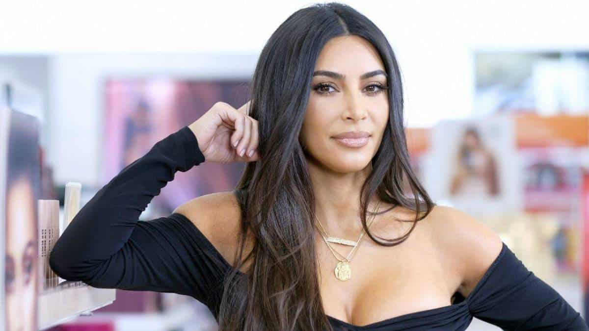 Kim Kardashian exige US$ 10 mi de aplicativo por 'roubar' uma foto