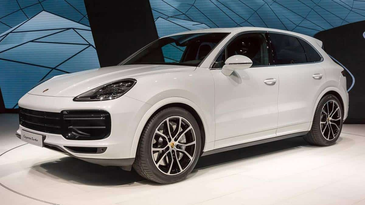 Leilão do Detran tem Porsche por menos da metade do preço