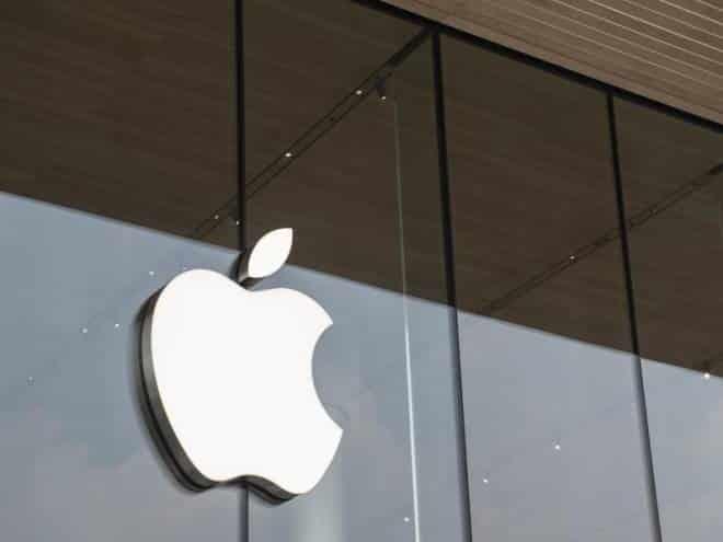 Apple estuda lançar headset AR em 2022