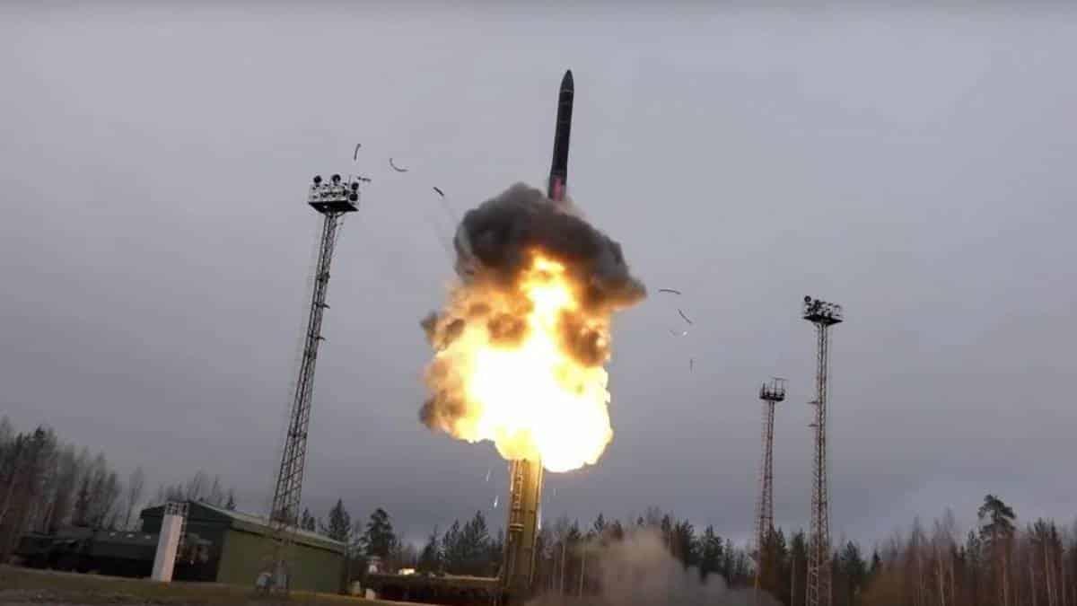 Resultado de imagem para armas russas