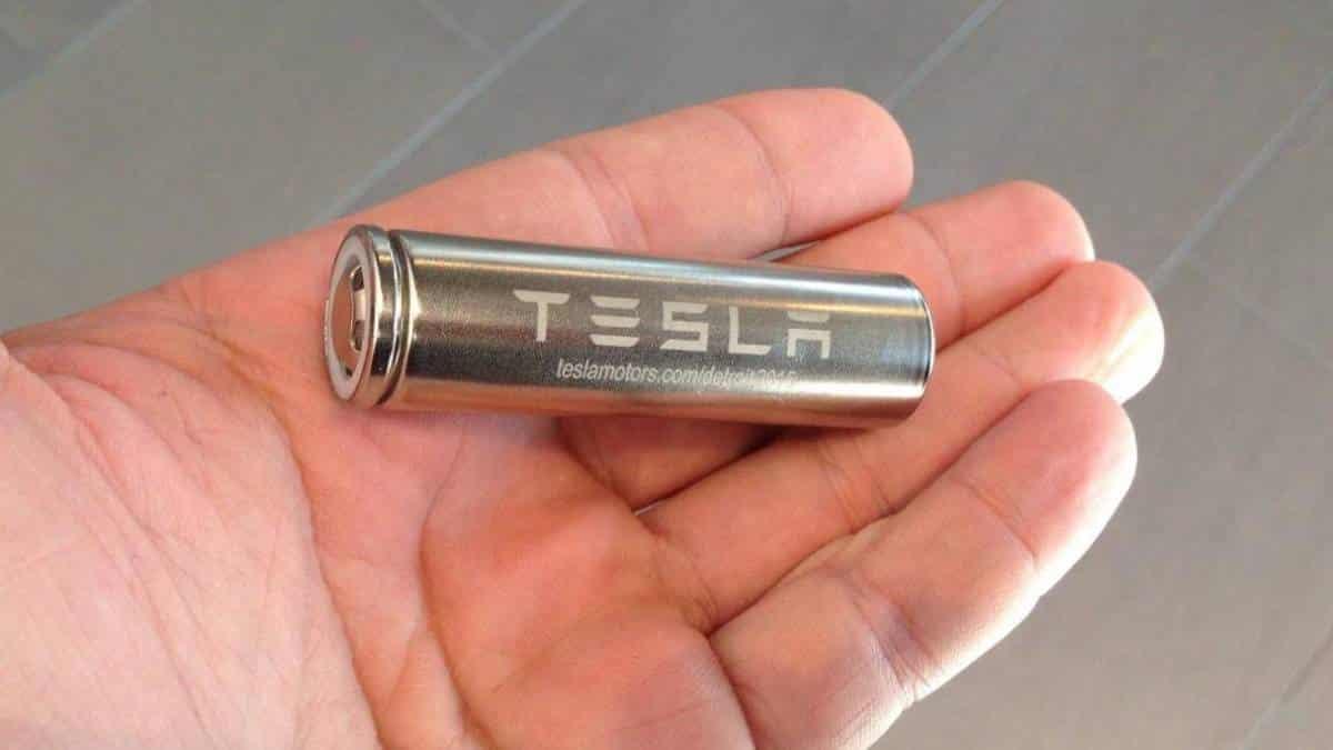 Tesla registra química de bateria mais duradoura e barata