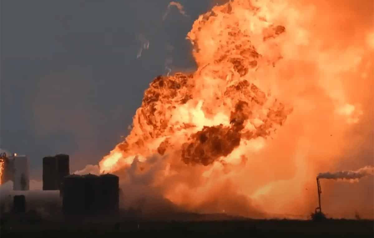 Protótipo de foguete da SpaceX explode na véspera de missão histórica; veja o vídeo