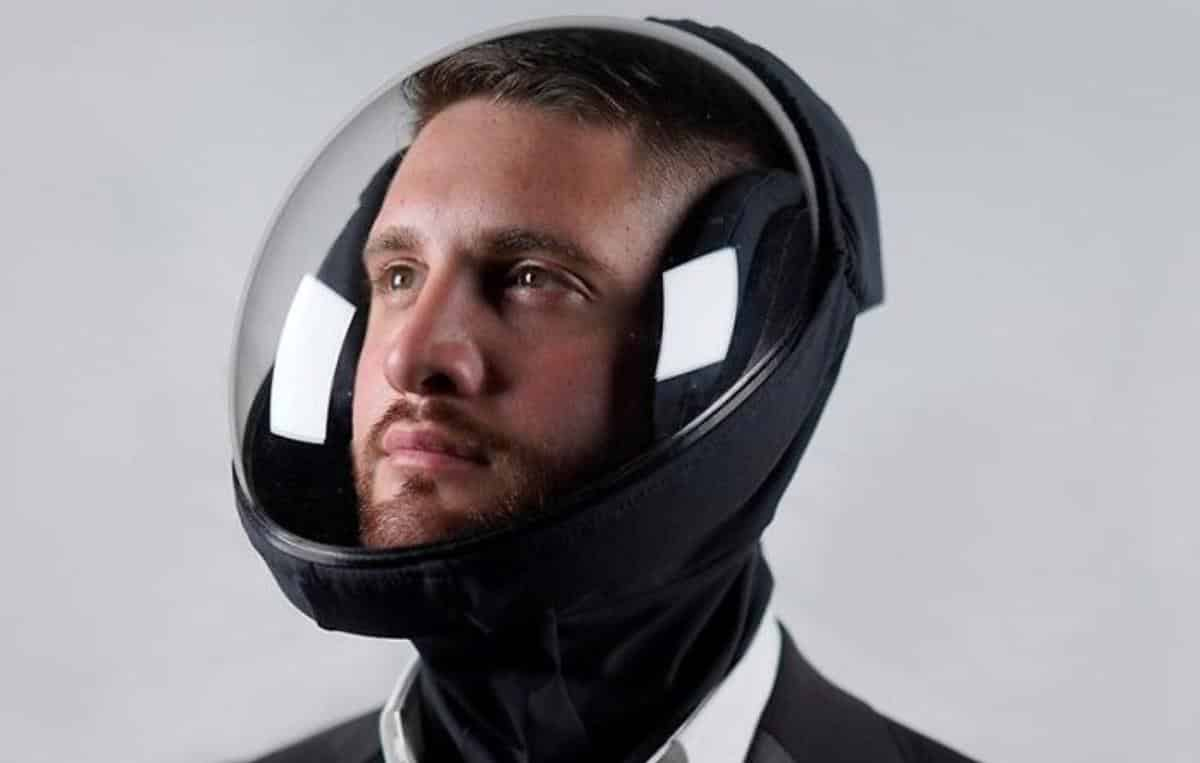 Empresa cria capacete tecnológico para proteger contra a Covid-19
