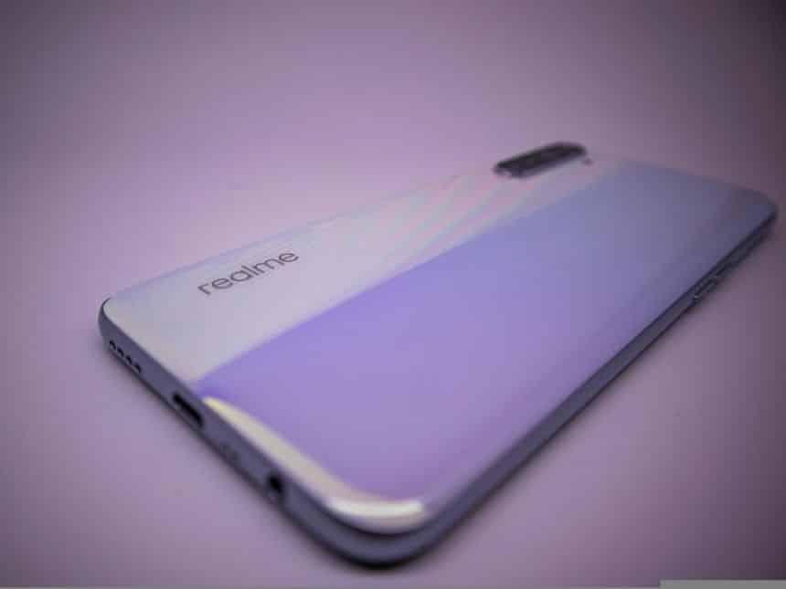 Realme revela que carregador com 125W acompanhará smartphone na Europa
