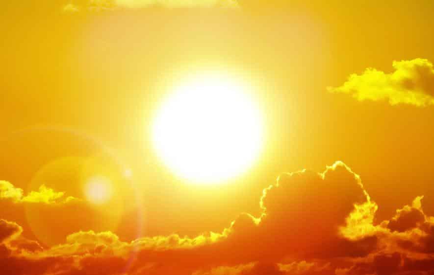 Cientistas conseguem prever mancha na superfície do Sol - Olhar Digital