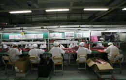 Trabalhadores chineses recebem US$ 1,82 a hora para produzir iPhone