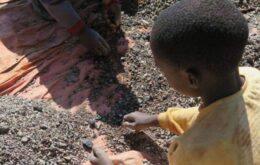 Relatório implica Apple, Samsung e Microsoft em cadeia de trabalho infantil