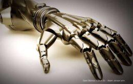 Empresa cria braços prostéticos inspirados em 'Deus Ex'