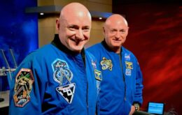 Nasa estudará efeitos biológicos de viagem espacial com astronautas gêmeos