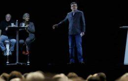 Candidato aparece em sete cidades ao mesmo tempo usando um holograma