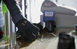 Empresa testa pagamentos com luvas para Olimpíada de Inverno