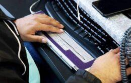 Microsoft e Apple trabalham juntas em novo padrão para displays Braille