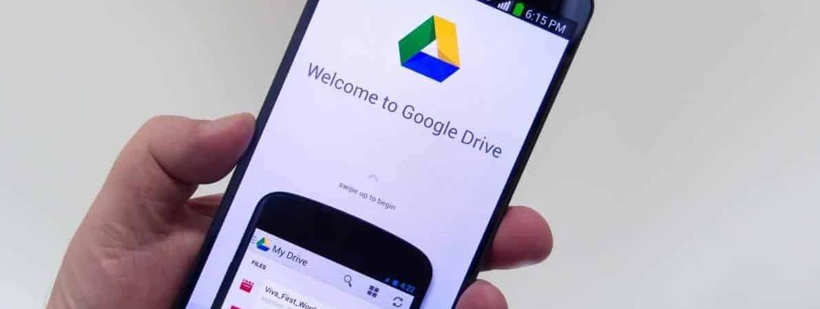 Tela de celular com o aplicativo Google Drive