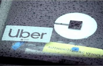 Motoristas de Uber são presos acusados de estuprar passageiras