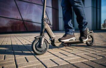 SP City Hall regula el scooter eléctrico y prohíbe su uso en las aceras
