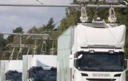 Alemanha testa cabos aéreos para carregar caminhões híbridos