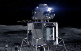 Jeff Bezos revela maquete do módulo lunar Blue Moon