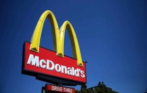 Robôs no McDonalds