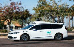 Waymo simula acidentes para mostrar eficiência de carro autônomo