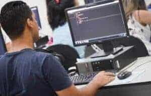 Qual linguagem de programação estudar?
