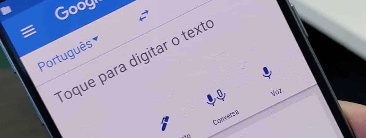 Celular com o aplicativo Google Tradutor