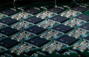 Optical chip records download speed record