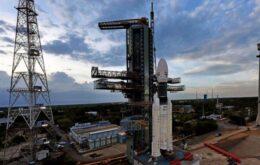 Índia lança foguete que levará veículo à Lua