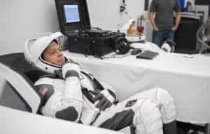 Primeiro voo tripulado da SpaceX no início de 2020