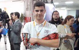Brazo robótico hecho con Lego