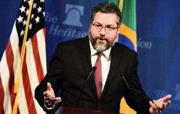 Brazil should soon choose partner for 5G, says Ernesto Araújo