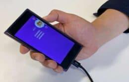 Startup desarrolla un teléfono celular con todas las superficies sensibles al tacto