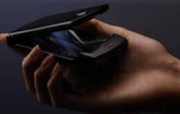 Veja como a Motorola testa a resistência da dobradiça do Razr