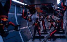 Equipe de Fórmula 1 da Red Bull faz pit-stop em gravidade zero