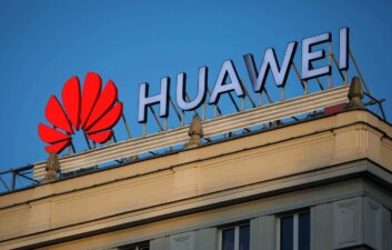 Huawei to launch smart watch and bracelet soon