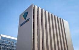Bolsonaro assina decreto que coloca Dataprev à venda