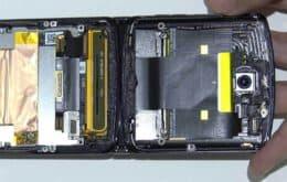 Vídeo mostra o Motorola Razr sendo desmontado peça por peça