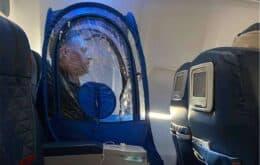 Passageiro usa barraca de plástico em voo para evitar coronavírus